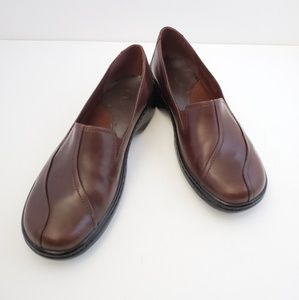 Clarks brown leather comfort clogs size 6.5